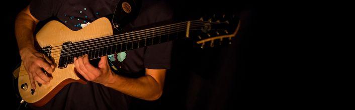 Manu_Adnot_guitar_c